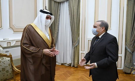 Egyptian military production minister meets with the Bahraini ambassador to Egypt