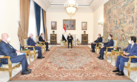 Egypt's Sisi with Jordanian, Palestinian FMs