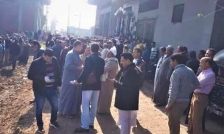 Egypt disperses protesters at burial site