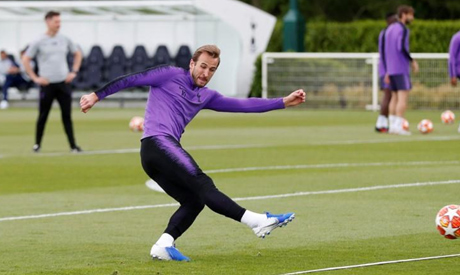 Tottenham return to training: One player per pitch