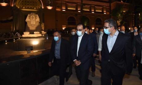 PM tours Tahrir Square