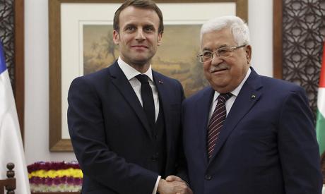 Macron, Abbas