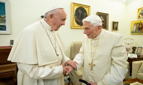 Pope Francis, Emeritus Pope Benedict both get COVID-19 vaccine