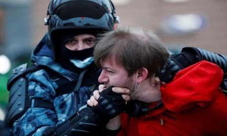 Russian protesters (Reuters)