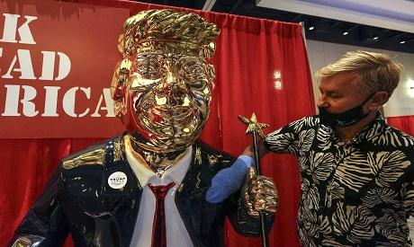 Golden Donald Trump statue