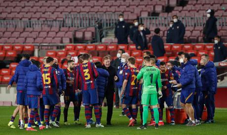 Ronald Koeman and Barca players
