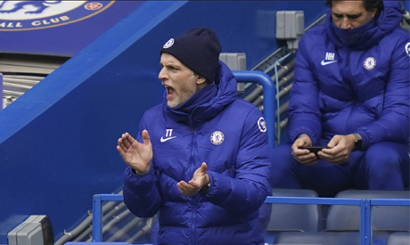 Chelsea manager Thomas Tuchel gives instructions during the English Premier League soccer match betw