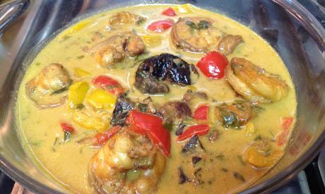 Shrimp in prune curry sauce