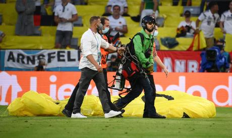 Greenpeace paraglider