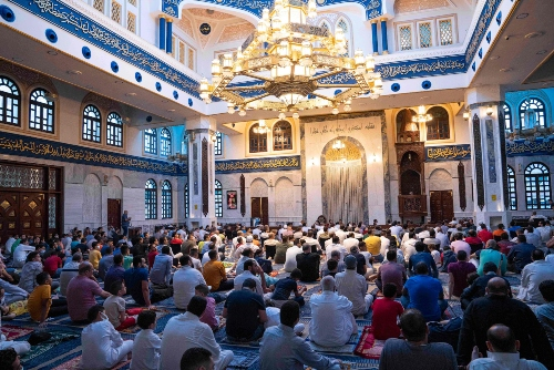 Muslims gather for prayers in Egypt