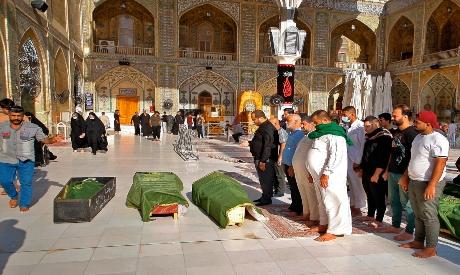 Mourners prepare to bury victims in Iraq