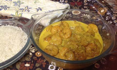 Prawns in creamy curry sauce