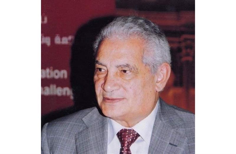 Egyptian historian Qassem Abdo Qassem